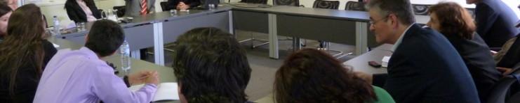 Sala da sessão com Don Detmer